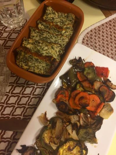 Healthy! Grilled vegetables and a side of búdin de huevos y espinaca (egg and spinach pudding? Loaf? Idk but it's delicious).